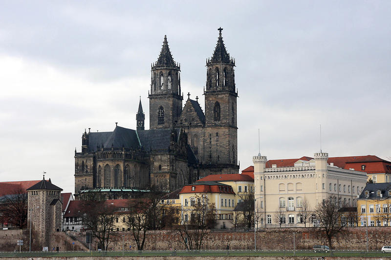 "s:15:""Magdeburger Dom"";"